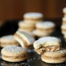 La-Cooquette-dulce-de-leche-Ginger-Alfajores-closeup-square-submit