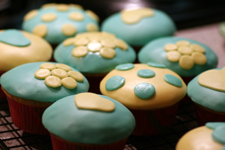 Almond Cupcakes with Marshmallow Fondant