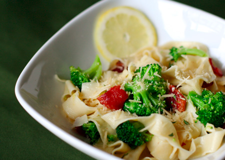 Lemon Fettuccine with Broccoli and Bacon