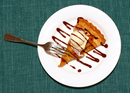Caramelized Banana Tart with Chocolate Sauce