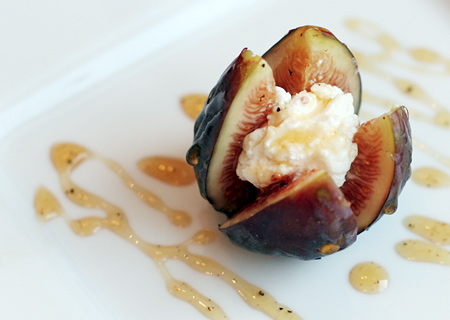 Fresh Figs with Goat Cheese and Peppered Honey | Love and Olive Oil