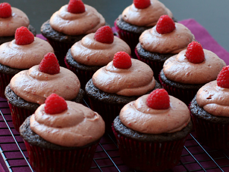 Chocolate Balsamic Rasperry Cupcakes