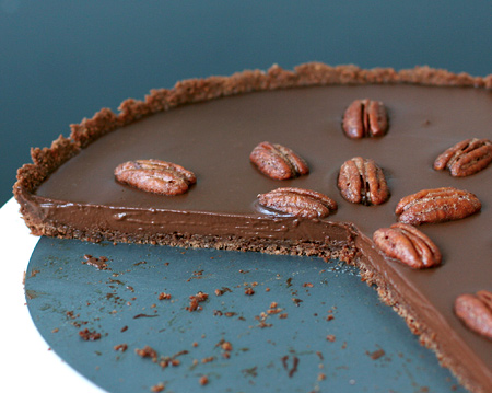 Mexican Chocolate Tart with Cinnamon-Spiced Pecans | Love and Olive ...