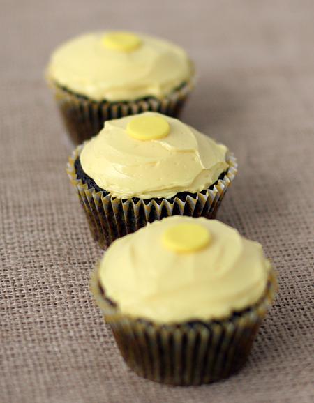 Chocolate Peanut Honey Cupcakes with Honey Vanilla Buttercream