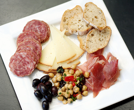 Tapas Plate With Marinated Chickpeas