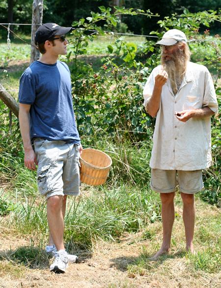 Eating Fresh Blackberries with the Barefoot Farmer