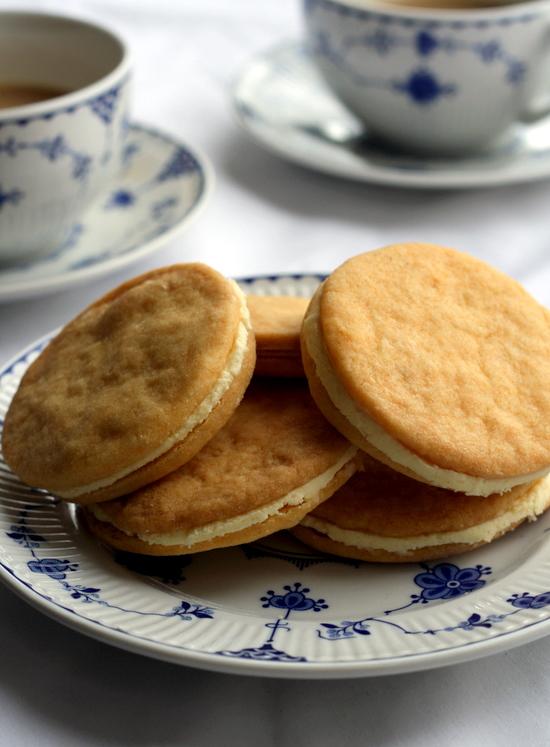 Custard Creams Cookies