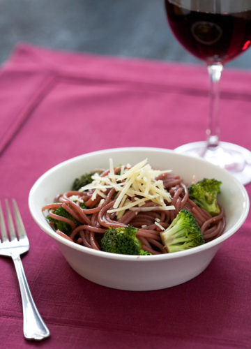 Red-Wine Spaghetti with Broccoli