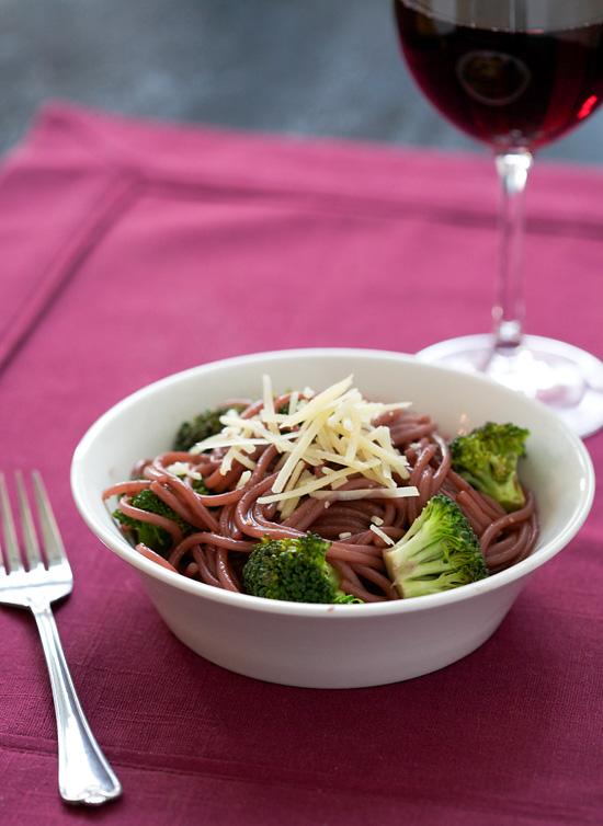 Red-Wine Spaghetti with Broccoli
