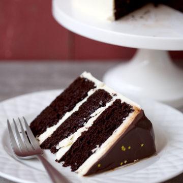 Blackberry Red Wine Chocolate Cake