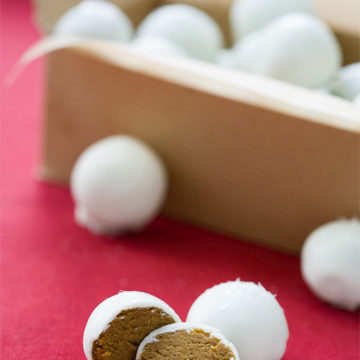 Gingerbread Cookie Dough Truffles