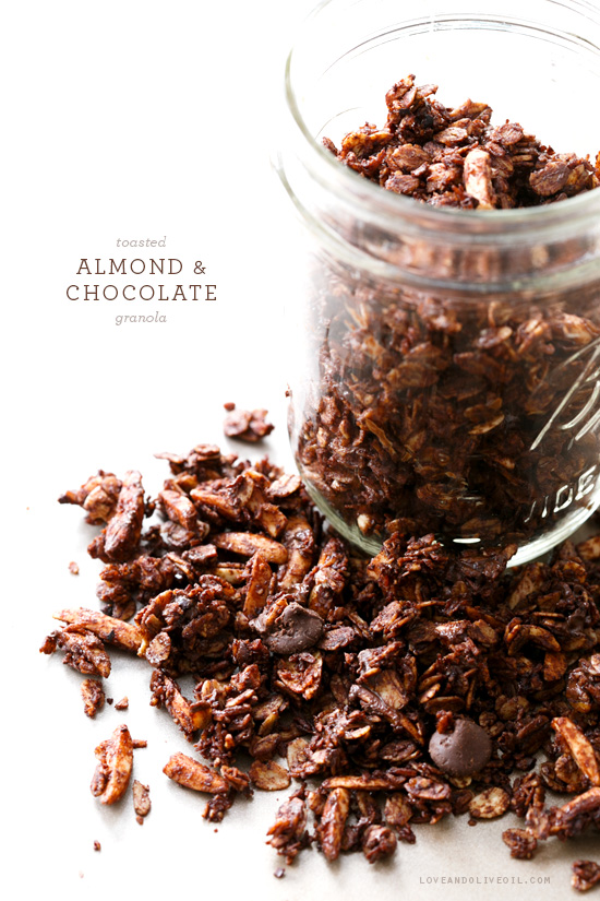 Toasted Almond & Chocolate Granola