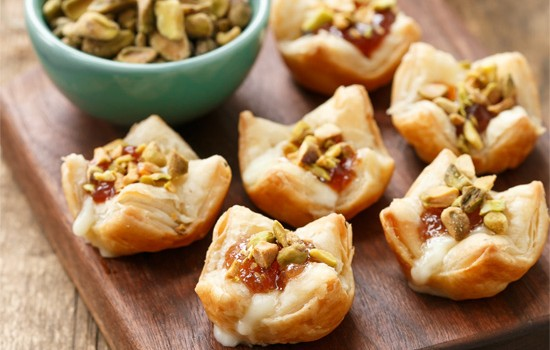 Baked Brie Puffs with Fruit Preserves and Pistachios