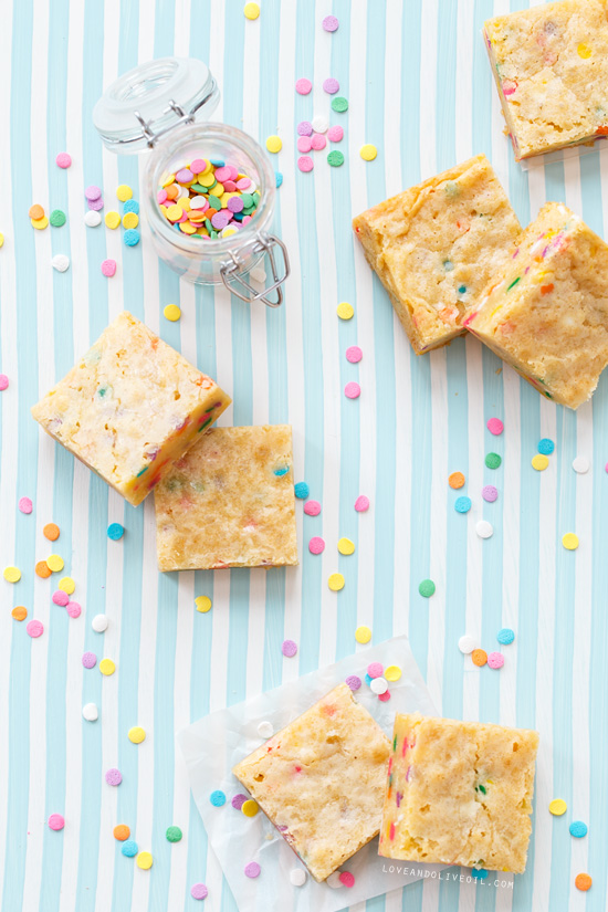 White Chocolate Funfetti Blondies from @loveandoliveoil