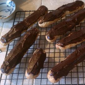 April Kitchen Challenge, Eclairs: Erica