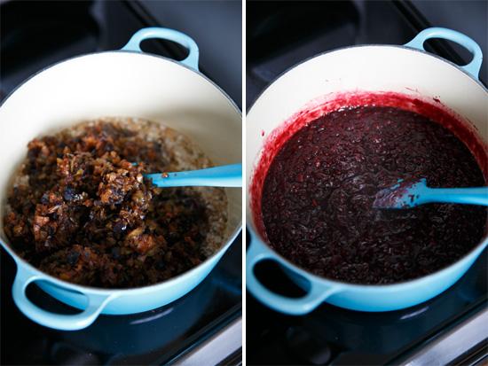 How to Make Plum Sauce, a homemade plum sauce recipe