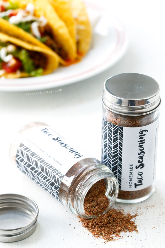 Homemade Taco Seasoning (and FREE printable spice jar labels!)