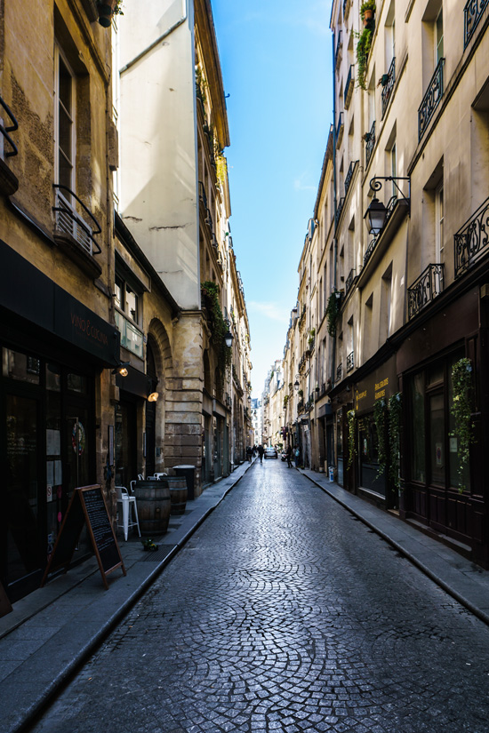 Rue Saint Sauveur, Paris France