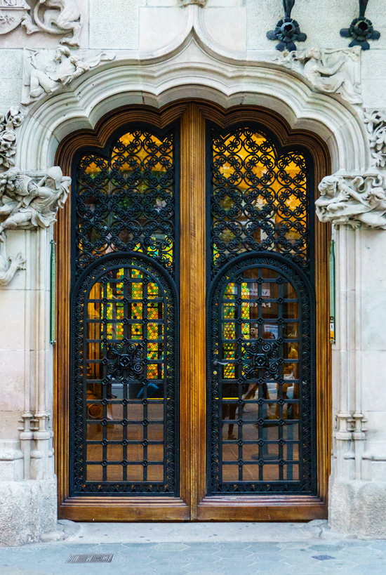 Gorgeous door, Barcelona, Spain