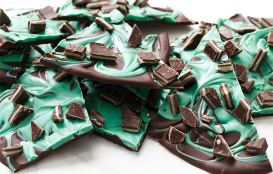 Mint Chocolate Swirl Bark