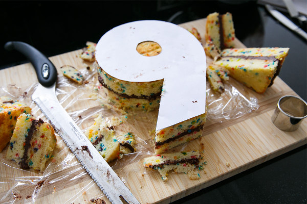 How to make a giant number birthday cake