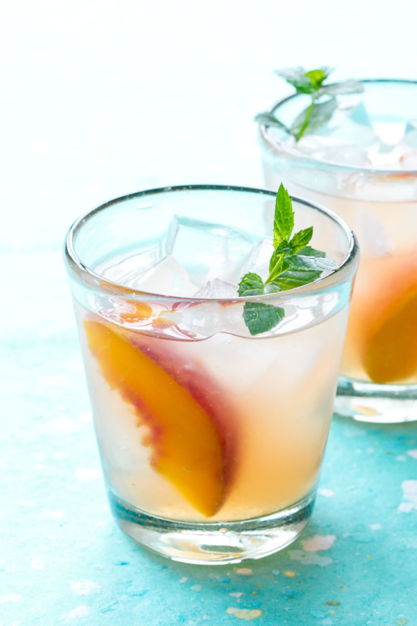 Bourbon Peach Lemonade Recipe - Make a big batch and serve for a crowd!
