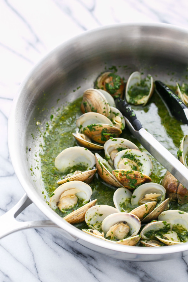 White Wine Steamed Clams with Mojo Verde Sauce