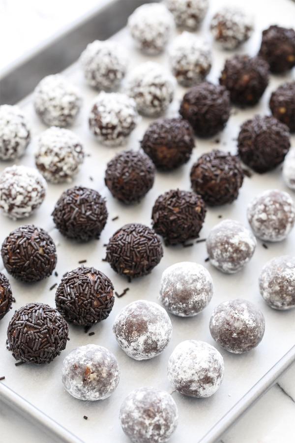Bourbon Delight Recipe, also called Bourbon Balls - a perfect party treat!