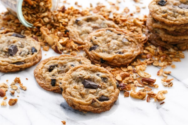 Granola Chocolate Chip Cookies