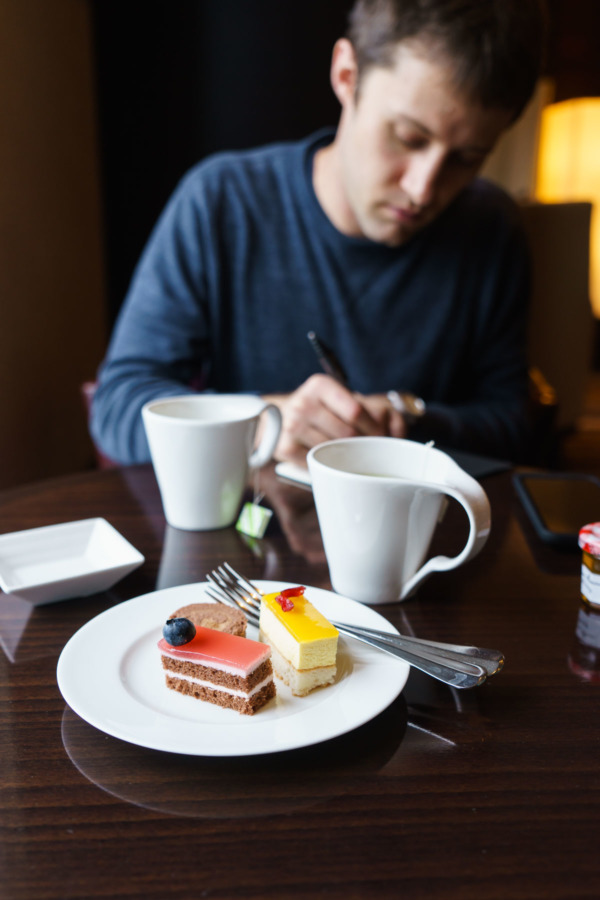 the Hilton Tokyo hotel afternoon tea and treats