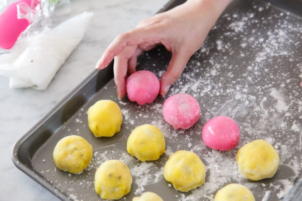 How to make homemade mochi - repeat with remaining mochi.