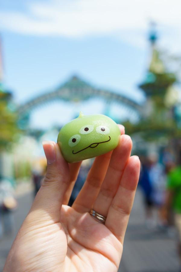 Tokyo Disney Sea: Alien Mochi Dumplings with Custard Filling