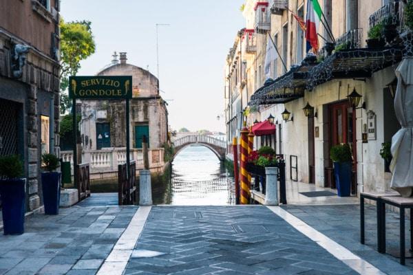 Servizio Gondole. Venice, Italy
