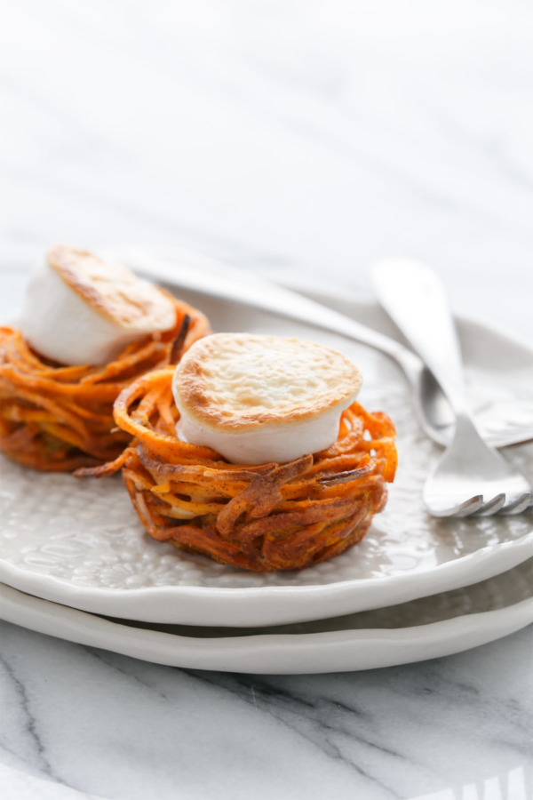 Mini Spiralized Sweet Potato Casserole Nests - Your favorite Thanksgiving side dish in mini form!