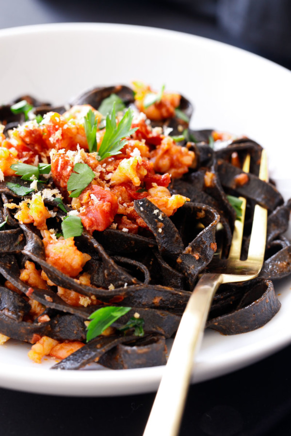 how to make squid ink pasta sauce
