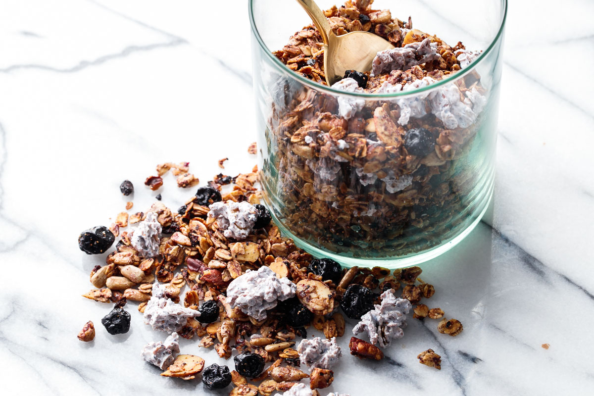 Very Blueberry Granola with Yogurt Clusters