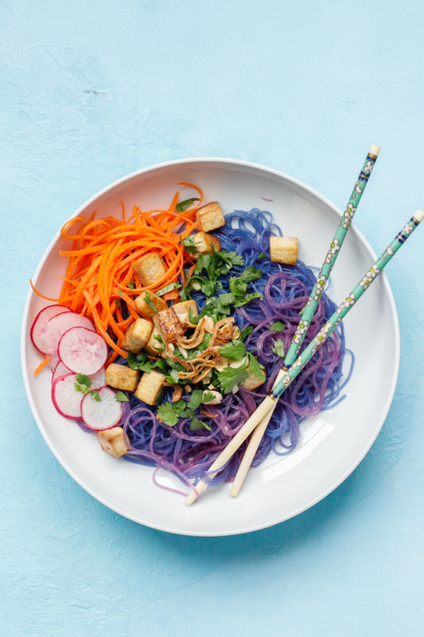 Play with your food: Gorgeous blue cellophane noodles turn pink when you add the sauce!