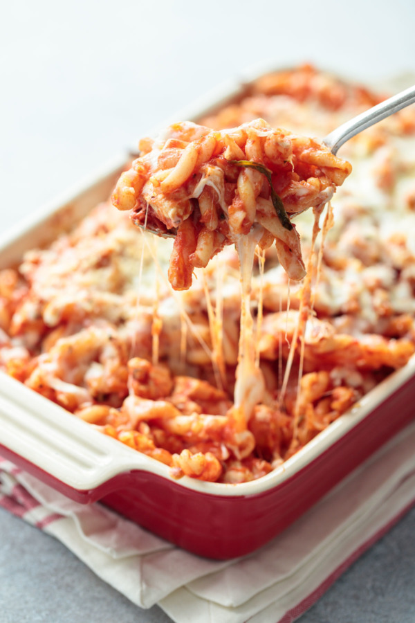 Cheesy Chicken Parmesan Pasta Bake - Easy Weeknight Dinner Recipe