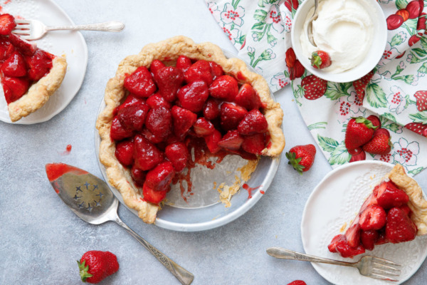Fresh Strawberry Rose Pie