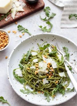 Cacio e Pepe Recipe with Homemade Arugula Spaghetti