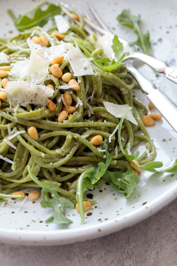 Arugula Cacio e Pepe and How to Make Homemade Arugula Spaghetti