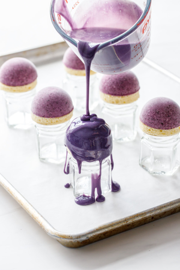 How to make a mirror glaze for mini blueberry mousse cakes