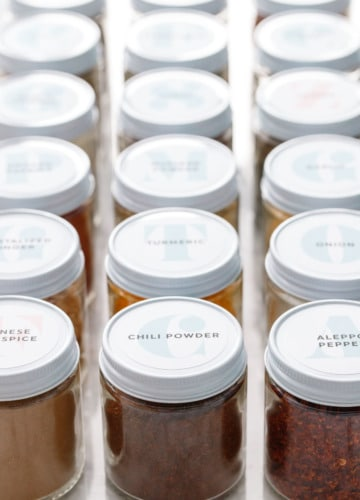 FREE Printable Spice Jar Labels (plus tips & tricks for spice organization)