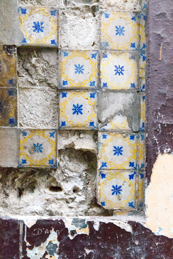 Gorgeous crumbling tiles in Porto, Portugal