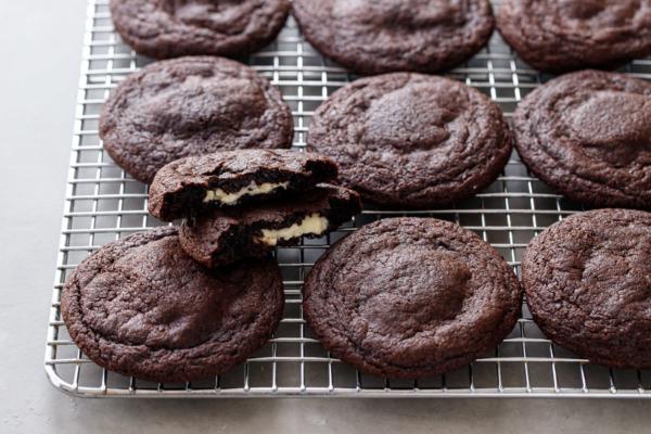 White Chocolate-Stuffed Chocolate Cookies