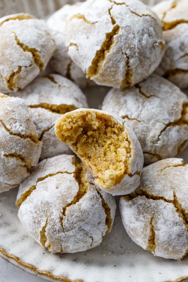 Pistachio Amaretti Cookies