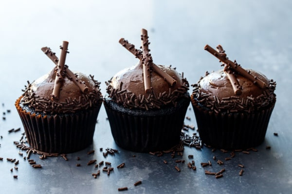 Ultimate Chocolate Cupcakes with Chocolate Frosting Recipe