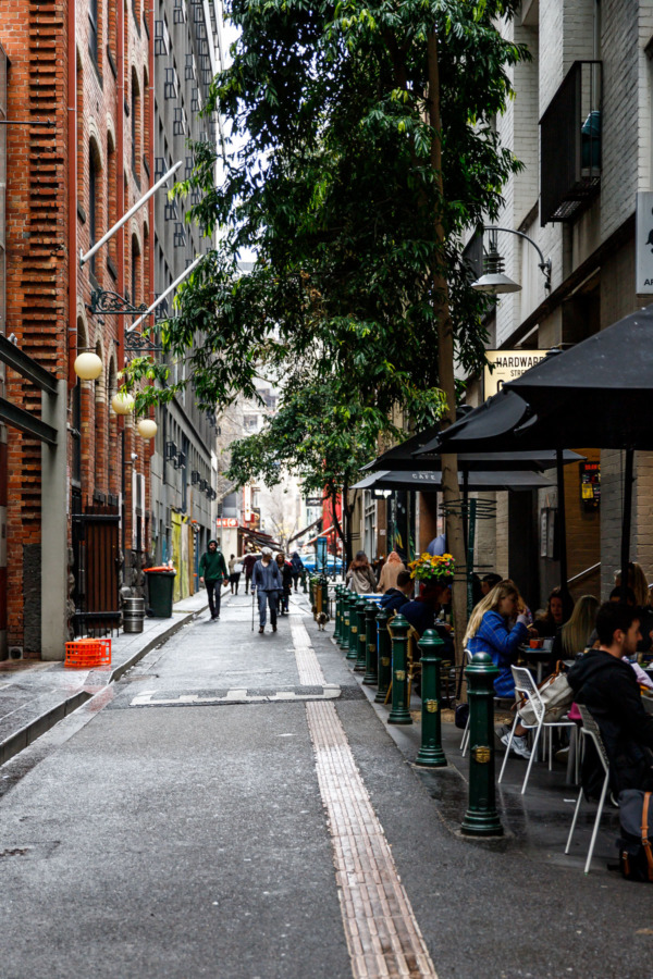Narrow laneway with restaurants with outdoor seating, Melbourne, Australia